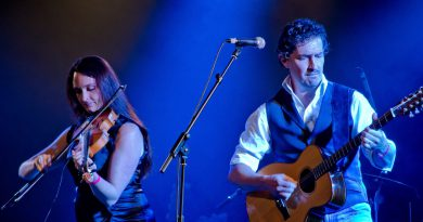 Traditional and contemporary folk music from England and Australia on show at The Apex