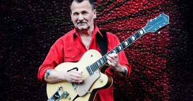 Top guitar player to appear at The Apex