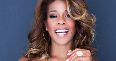 Nicole Henry pays 'Respect' to Aretha Franklin