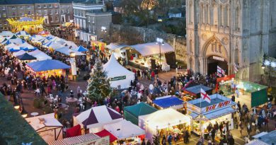 SUFFOLK VILLAGE INFO ASKS: 'HAS THE BURY ST EDMUNDS CHRISTMAS FAYRE BECOME TOO BIG FOR THE TOWN?'